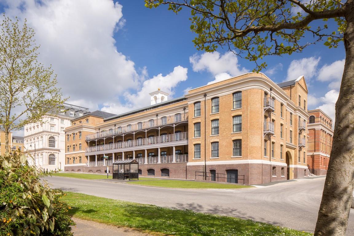 Bowes Lyon Court, Poundbury